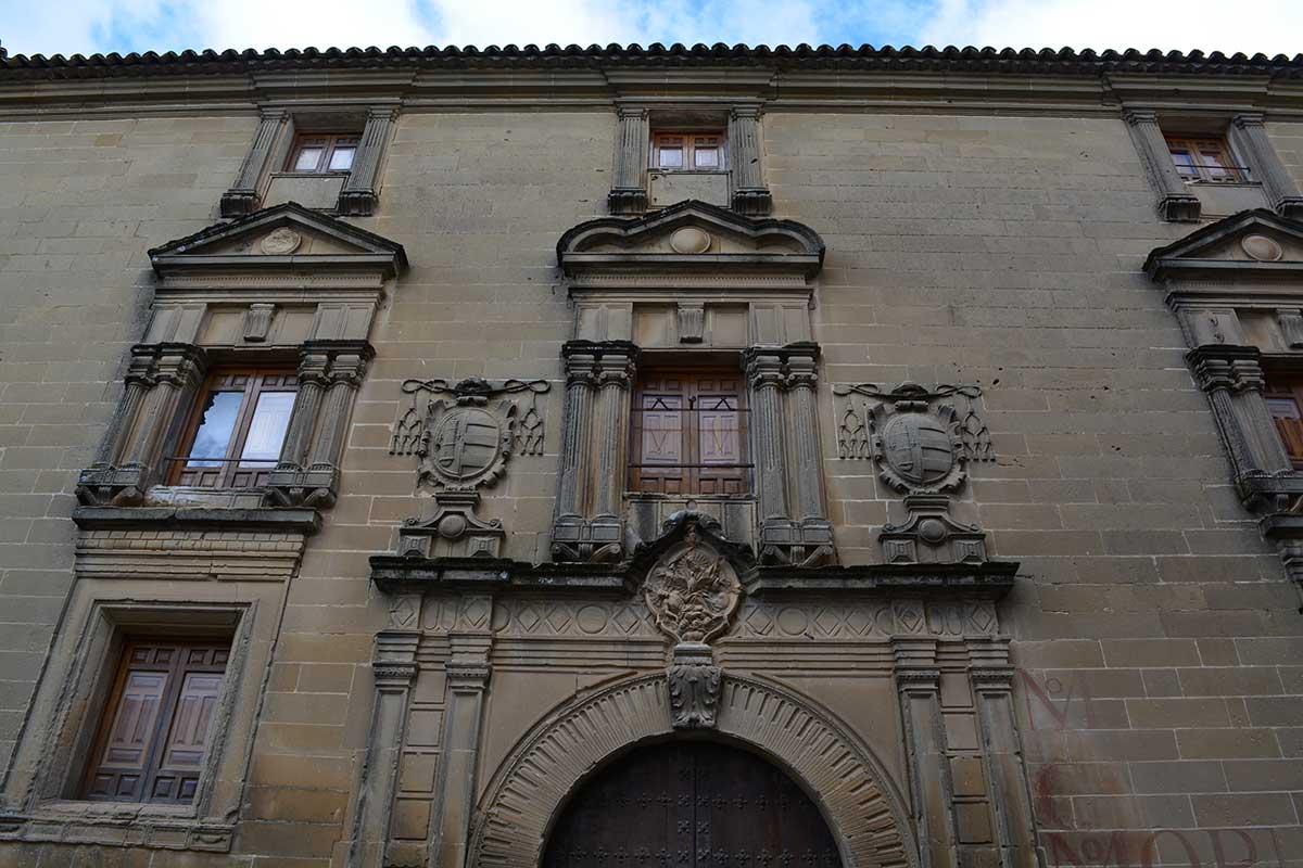 antigua-universidad-lateral
