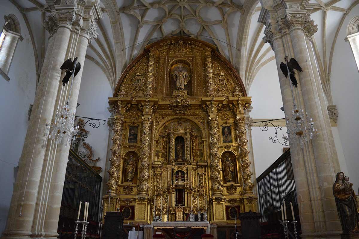 dentro-catedral-de-baeza