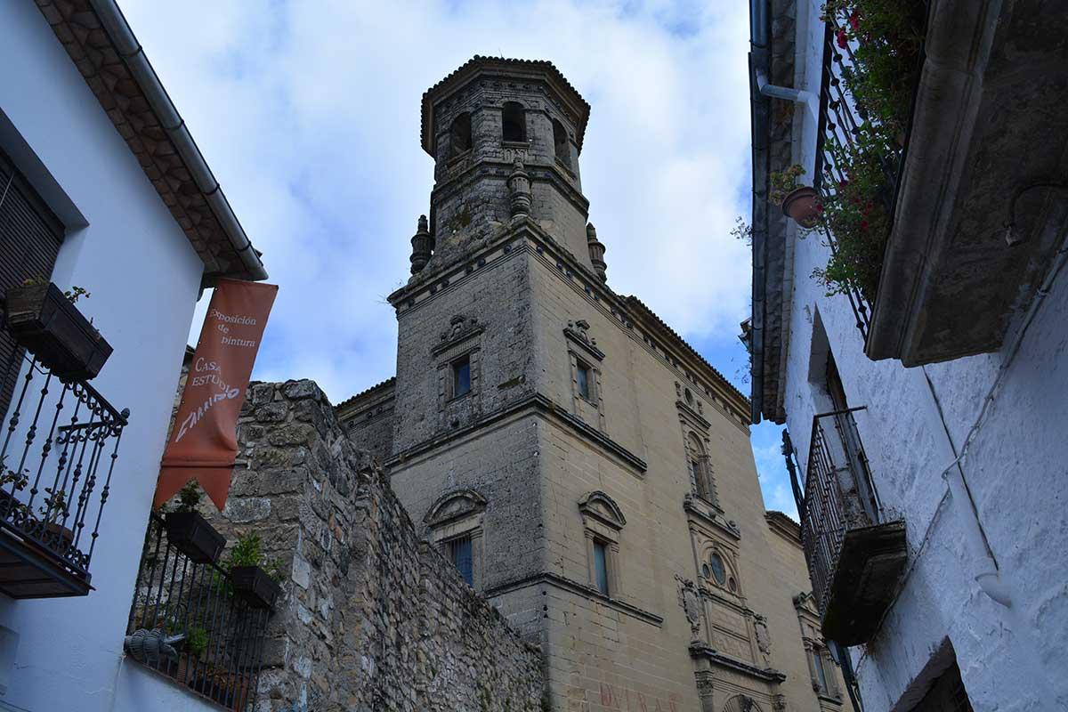 fachada-antigua-universidad