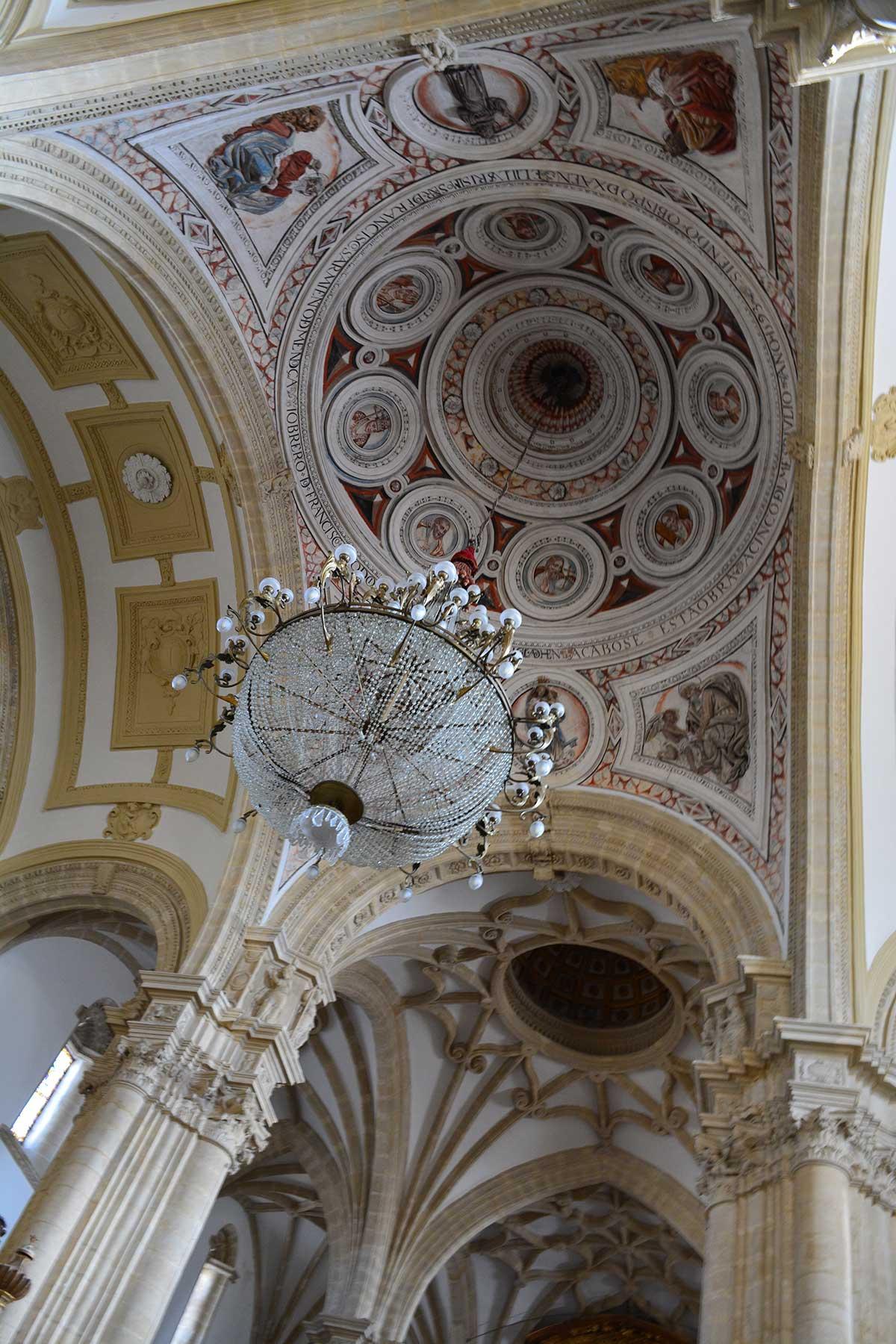 interior-catedral-baeza