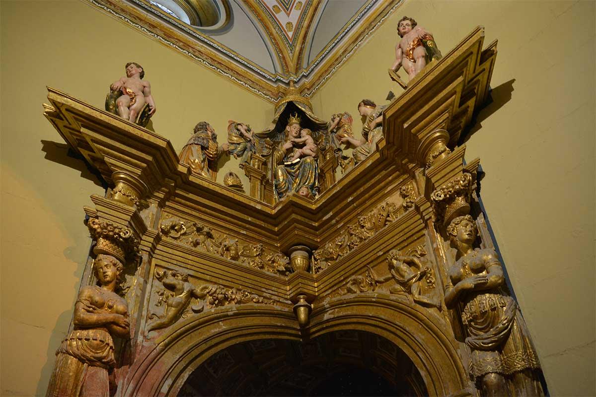 entrada-sacristia-el-salvador